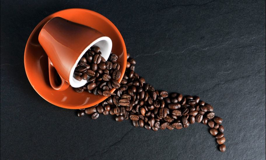 כמה כוסות קפה מותר לשתות ביום