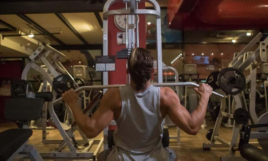 השיטה שתגרום לך להרים יותר משקל באימון הבא שלך