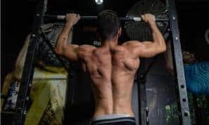 עושים סדר בבלאגן: אימון משקל גוף של היווני סהר פילו