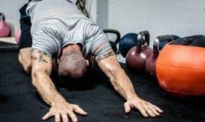 איך מונעים כאבי גב תחתון ועליון?