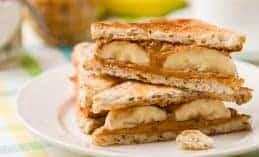 הכריך שישמור אותנו חטובים: חמאת בוטנים ובננה