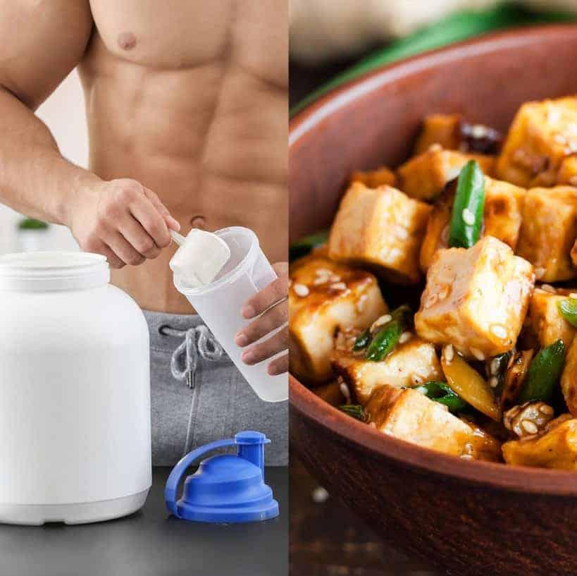 תמונה של איש עם אבקת חלבון משמאל וקערת טופו מימין