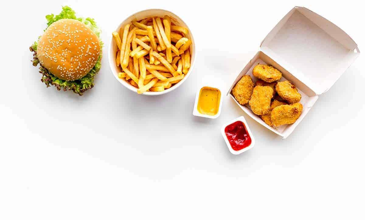 כמה קלוריות יש בהמבורגר וצ'יפס